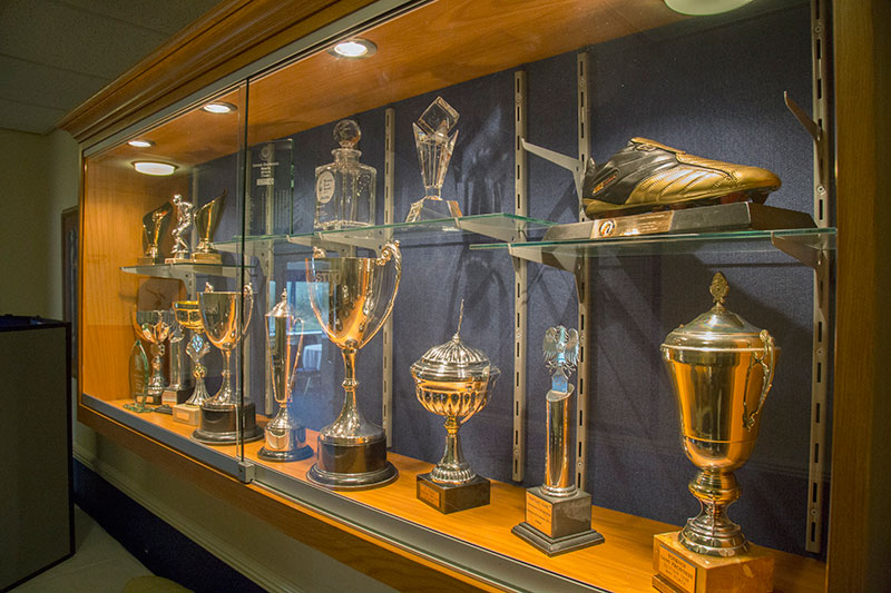 img_3747_trophy-cabinet_s-1